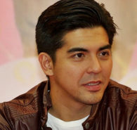 Mark Herras and Jennylyn Mercado are the GMA-7's first male and first female Ultimate Survivors of the StarStruck and since the reality talent competition returns to television this year for the seventh season, Mark shares advice for StarStruck 2019 aspirants to do not miss the […]